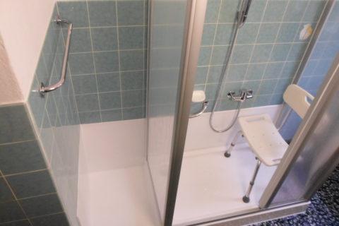 Trasformazione da vasca a doccia, ribasso e box-doccia